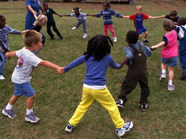 102908 kids play