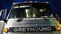 Greyhound se retracta y dice que no permitirá redadas migratorias en autobuses