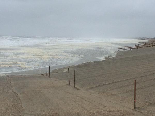 [UGCPHI-CJ-weather]A view of the ocean from Sea Isle City, NJ this morning. Intense wind out there. @NBCPhiladelphia ht