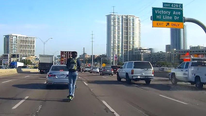 PRINCIPAL-foto-de-conductor-en-lime-bike