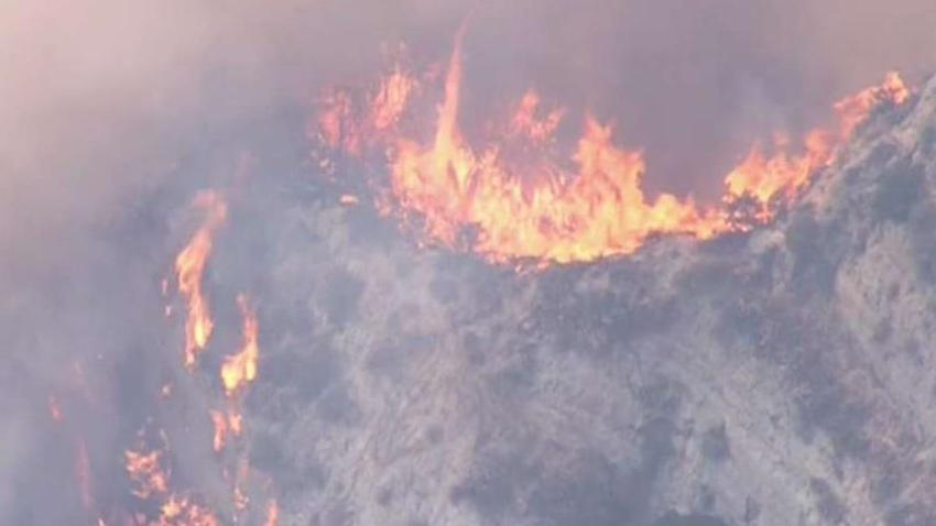 _South_Fire__in_Newhall_Forces_Evacuations.jpg