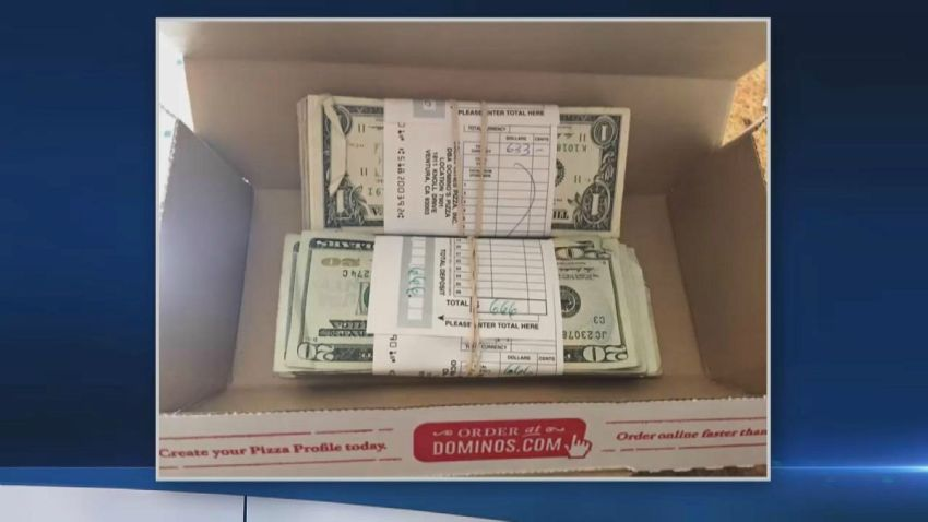TLMD-California-berkeley-halla-1300-dolares-en-envio-de-pizza-y-los-devuelve-dominos