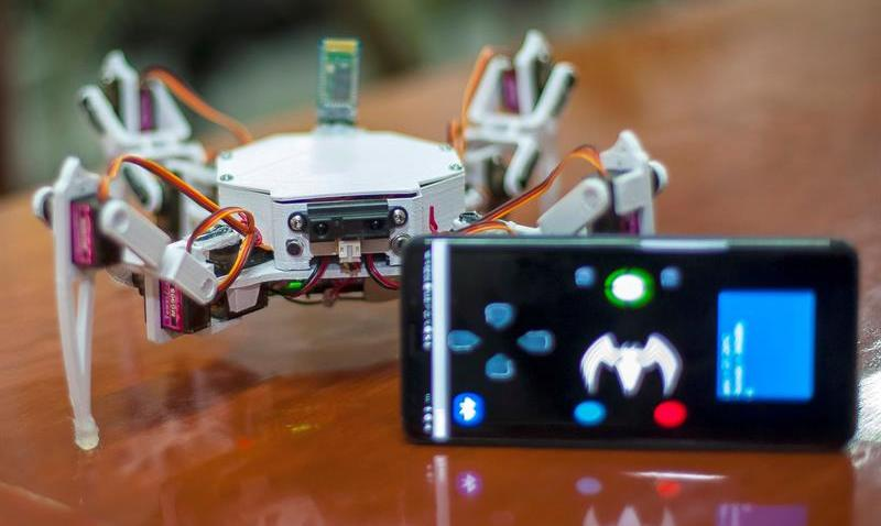 TLMD-mexico-IPN-robot-arana-escombros-EFE-15115212w