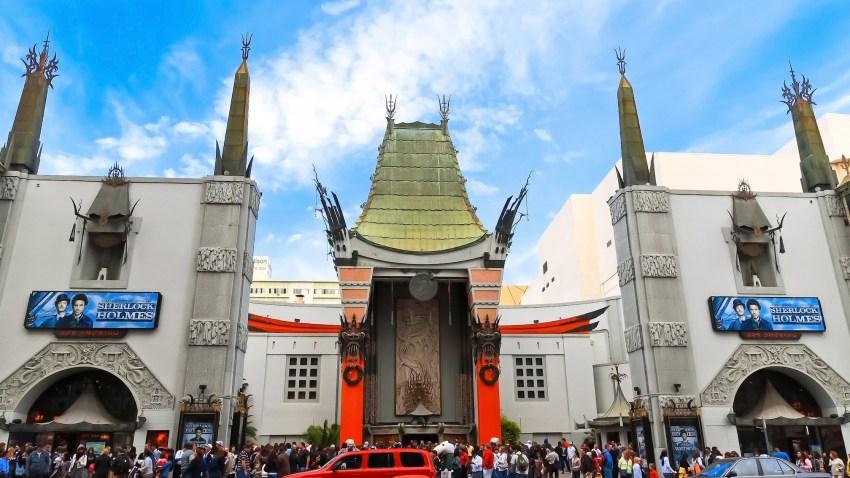 acampan teatro chino hollywood los angeles california telemundo 52 star wars force awakens