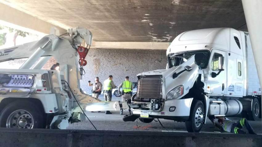 accidente-autopista-210-pasadena-california-cierran-carriles
