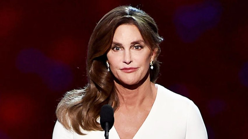 caitlyn-jenner-fiscales-los-angeles-california-kim-howe