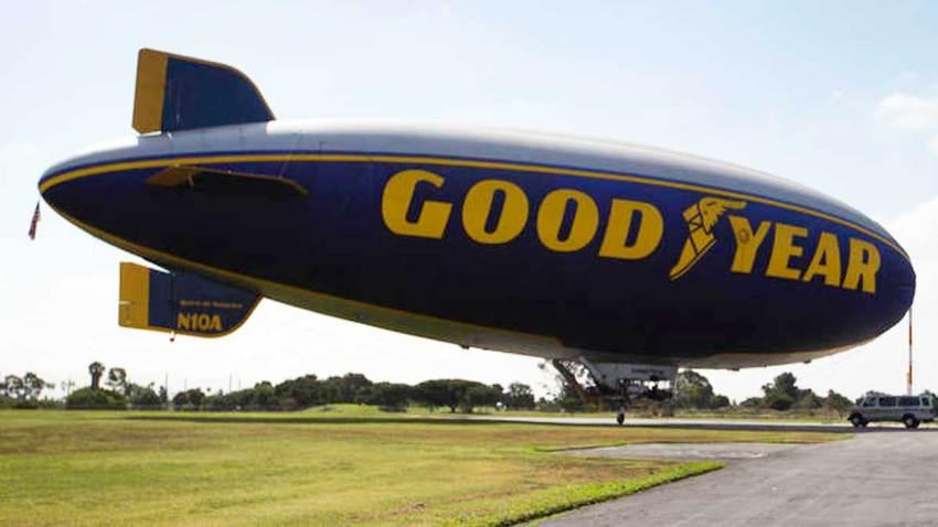 dirigible-goodyear-los-angeles-california