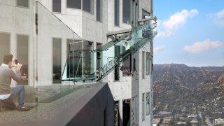 knbc-us-bank-tower-skyslide