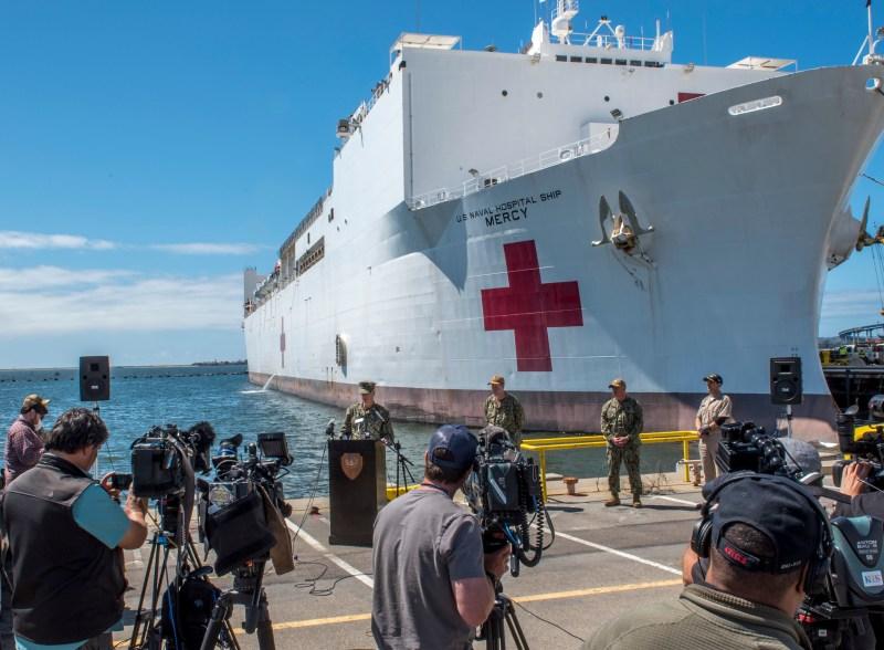 Fotos: USNS Mercy, el hospital flotante de la Marina que llegará al puerto de Los Ángeles