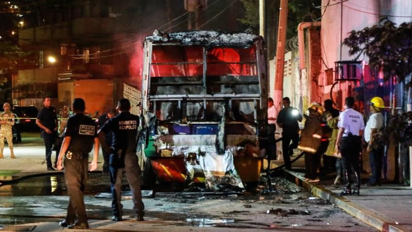 Autobús quemado en Acapulco