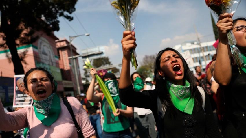 Protesta de mujeres por feminicidios