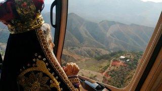 Imagen de la Virgen de los Dolores en helicóptero