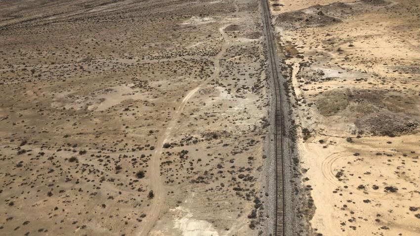 mojave-desert-earthquake-scar-rupture (1)