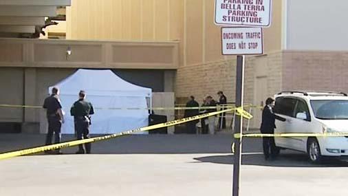 muerto cadaver centro comercial huntington beach california