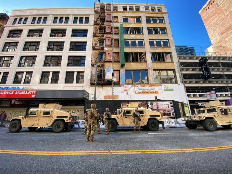 Fotos: Estalla la violencia en las calles de Los Ángeles