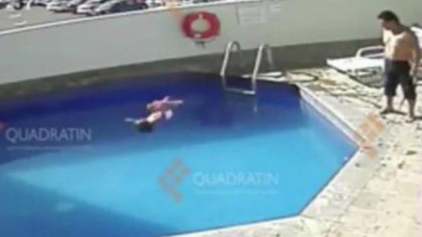 nina-piscina