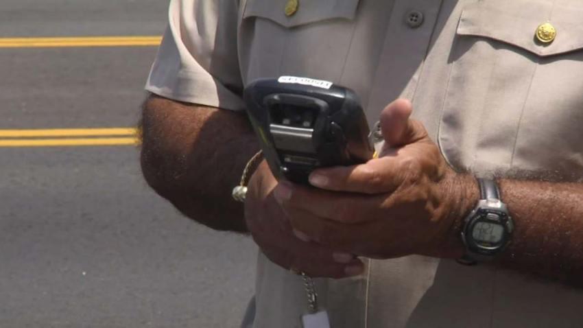 Infracción de tráfico multas equivocadas Telemundo 52 Responde Denny Alfonso