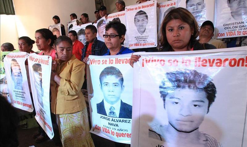 tlmd-padres-ayotzinapa-reporte-peritos-argentinos