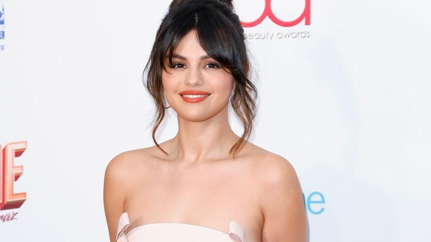 Selena Gómez asiste los premios Hollywood Beauty 2020 este pasado 6 de febrero en Los Ángeles.