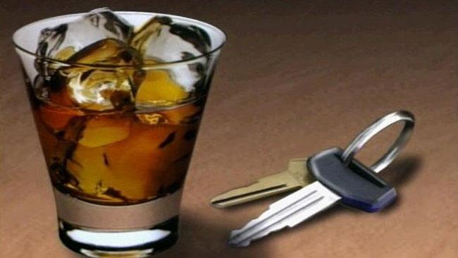 tlmd_copa_alcohol_llaves_carro