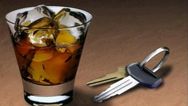 tlmd_drunk_llaves_copa