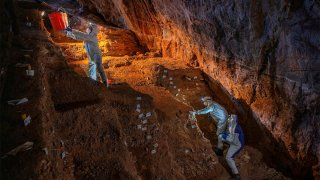 Excavaciones en cueva de Zacatecas