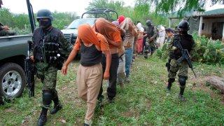 Militares liberan a personas secuestradas