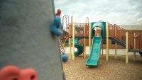 Reabren áreas de juegos en escuelas del LAUSD