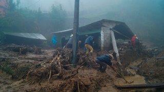 Casa destruida por el paso de la tormenta Eta