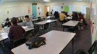 Programa federal ofrece ayuda a estudiantes de bajos ingresos