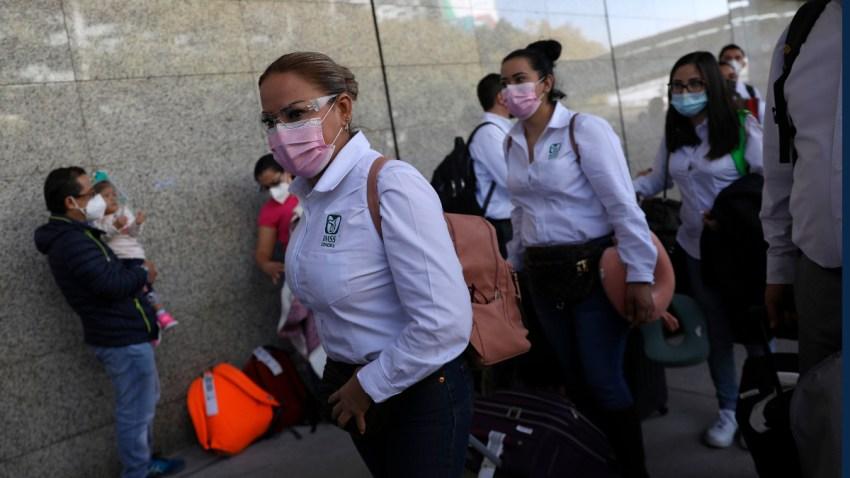 Médicos llegan a Ciudad de México a apoyar en hospitales saturados