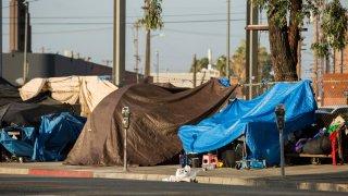 Concilio de Phoenix aprueba aumento de camas en albergues para personas sin hogar