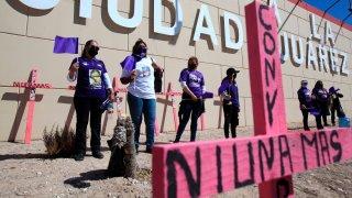 Madres de víctimas de feminicidios protestan en Ciudad Juárez