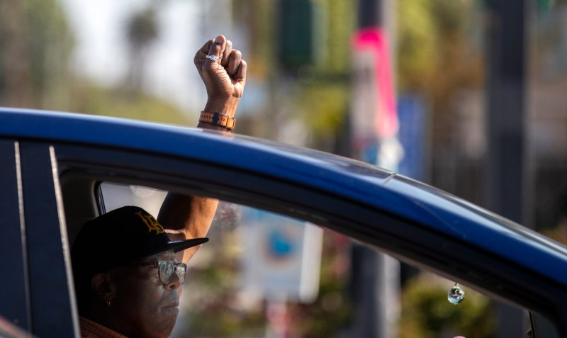 Fotos: Cómo reaccionó Los Ángeles al veredicto del juicio de Derek Chauvin