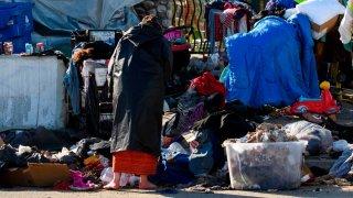 El coronavirus y la calle: los desafíos que enfrentan indigentes en albergues