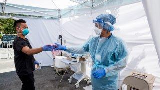 COVID-19 en Arizona: más de 1,000 nuevos casos por tercer día consecutivo