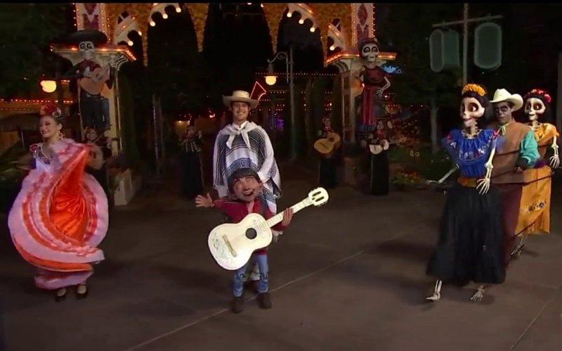 Fotos: Celebraciones de Halloween regresa  a Disneyland con Coco y su familia