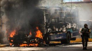 autobús incendiado en Acapulco
