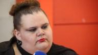 Piden renuncia de senadora transgénero
