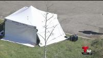 Oficiales encontraron una mujer muerta en un parque de uso público.