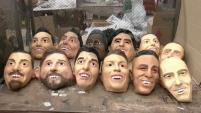 La empresa mexicana, Grupo Rev,  se ha dedicado a fabricar los rostros de las estrellas del mundial.  Alejandro Navarro nos lleva hasta México para conocer...