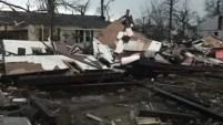 Tres condados fueron devastados en Mississippi en la madrugada del sábado; hay cuatro muertos.