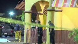 Balacera deja dos muertes afuera de un restaurante