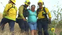 Bomberos van controlando incendio en San Bernardino