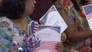 Anciana enfrenta obstáculos para convertirse en ciudadana