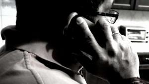 Advierten sobre llamadas que engañan y estafan