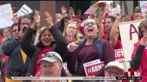 Miles de maestros demandan a aumentos salariales
