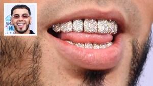 """Con """"bling bling"""" hasta en los dientes: Anuel AA se luce y sale con cinco trofeos"""