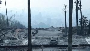 Fuego ahora amenaza las localidades de Montecito y Carpintería