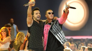 "American Music Awards: otro premio para Fonsi y ""Despacito"""